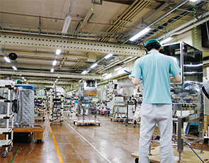 画像:10万ラインあるといわれる食品製造の品質保証管理が課題