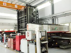 画像:最新マシン導入を予測して大型先進工場を竣工
