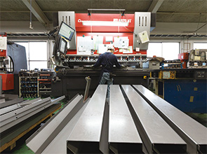 画像:包装機械・工作機械向けが繁忙