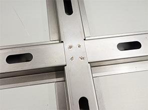 画像:ホームドア製作にファイバーレーザ溶接を適用