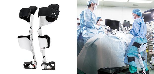 左:医療用ウェアラブルチェア「archelis(アルケリス)」(企画・制作・製造:㈱ニットー)/右:手術中にアルケリスを使用したときの様子。腰の痛みに阻害されることなく手術に集中できる