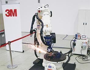 画像:スリーエムと愛知産業、ロボット研磨事業で提携