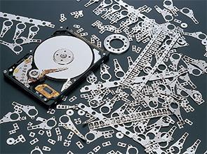 画像:超精密金型・次世代プレス部品に対応