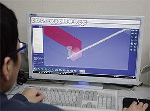 画像:平板からパイプ・形鋼までオールマイティーに対応
