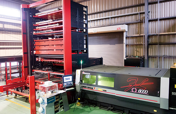 画像:受配電盤の一貫生産メーカーを目指す