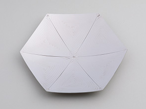 画像:熱ひずみを応用した板材成形 ― 問題を味方に変える逆転の発想