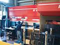 画像:金型交換の高速化により曲げ工程の処理速度は40%改善